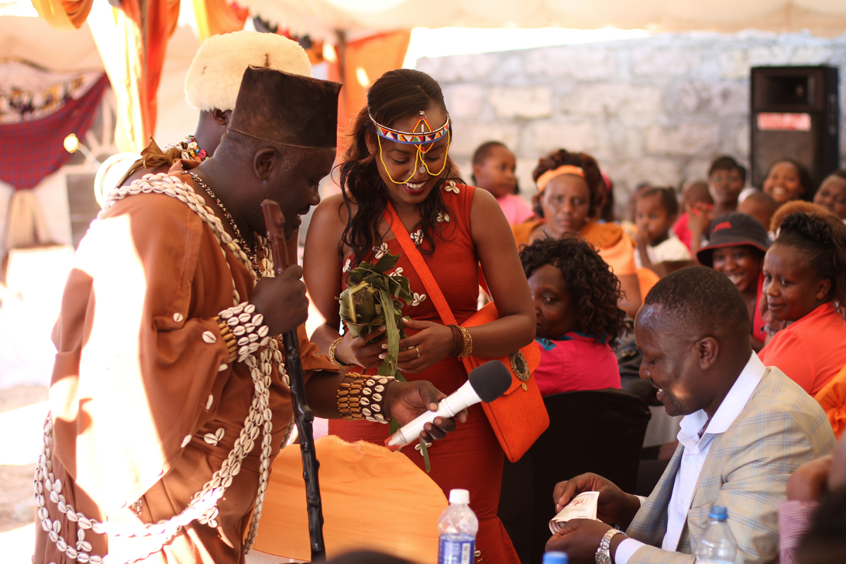 KIKUYU_TRADITIONAL_WEDDING_NGURARIO_GUTINIA KIANDE_GRACE & MOSES (36)