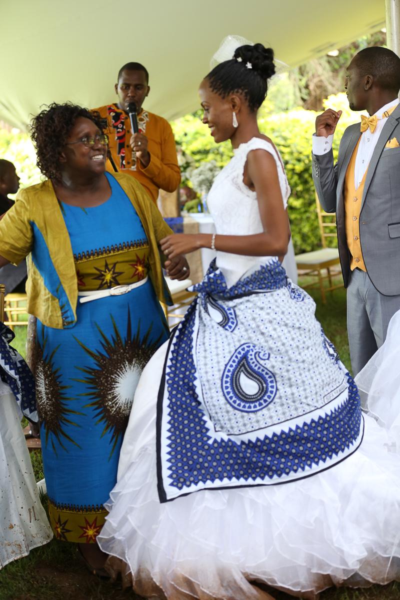 Top Nairobi Wedding PPhotographers-Best Nairobi Wedding Photographers–Best Kenya Wedding Photos – Kenyan Weddings – Nairobi Wedding Photographers – Kenyan Wedding Photographers – Maro Gardens (46)