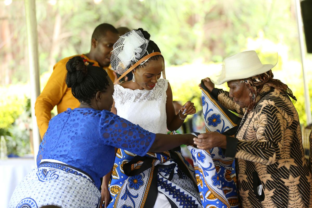 Top Nairobi Wedding PPhotographers-Best Nairobi Wedding Photographers–Best Kenya Wedding Photos – Kenyan Weddings – Nairobi Wedding Photographers – Kenyan Wedding Photographers – Maro Gardens (47)