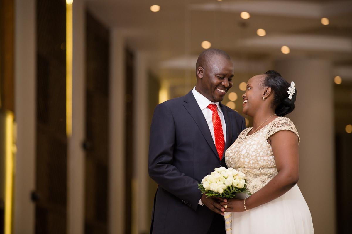 Lydia & Evans :: Crowne Plaza Hotel Kenyan Wedding Photographers
